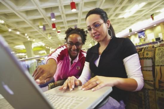 students_at_computer