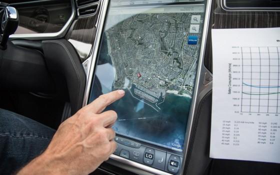 2012-Tesla-Model-S-nav-system-map